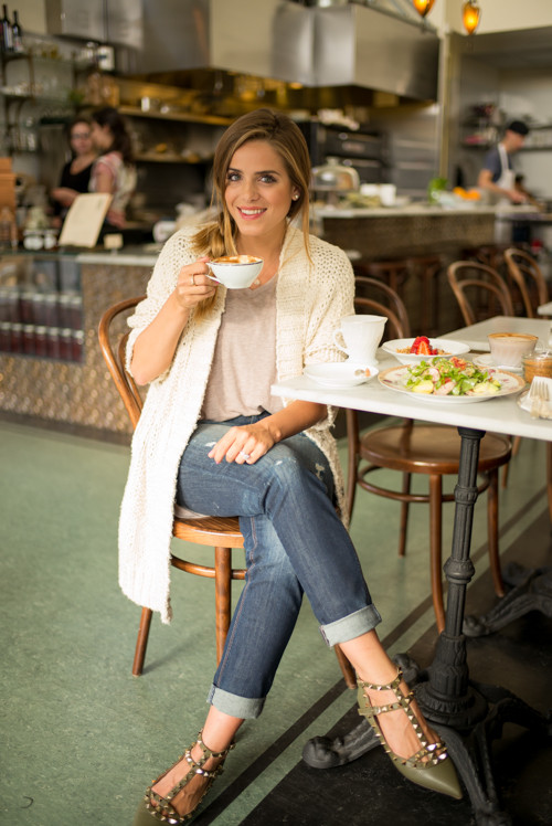 Casual Coffee Date Outfit