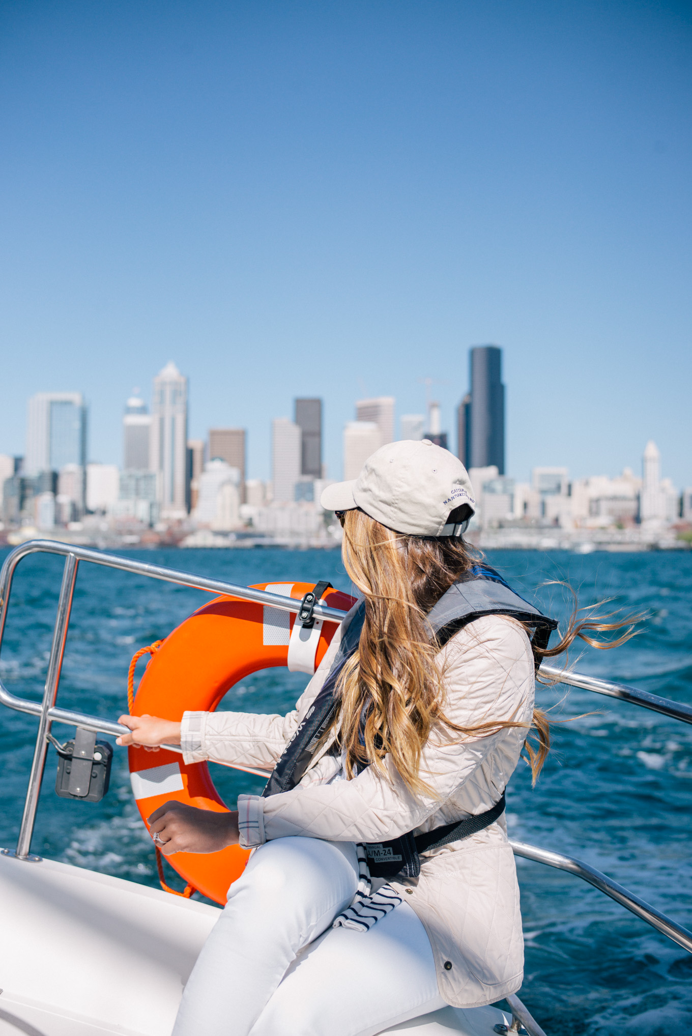 gal-meets-glam-sailing-in-seattle