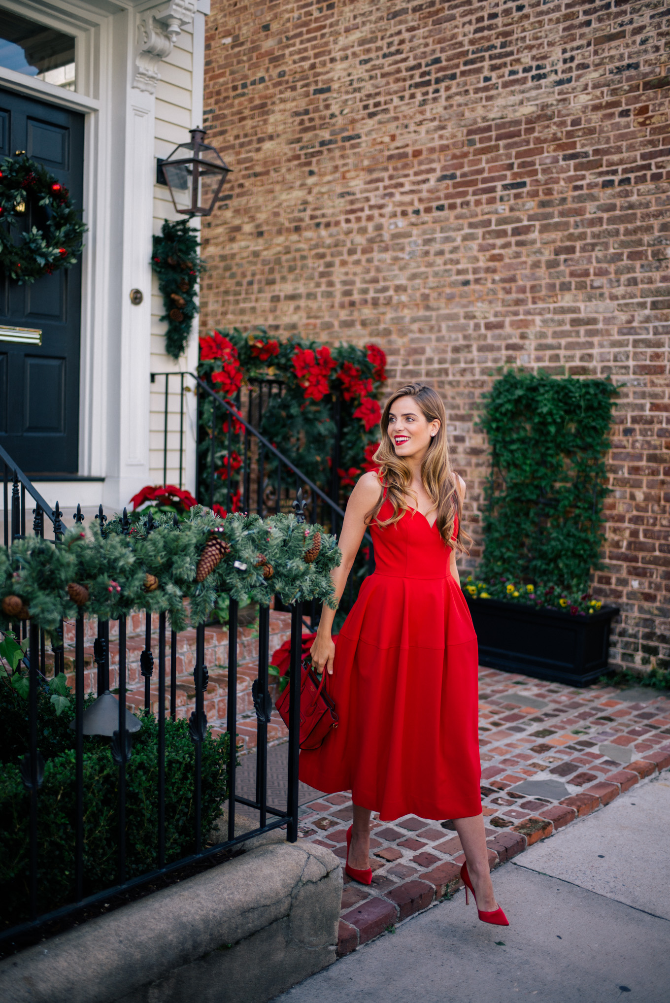 gmg-holiday-red-dress-1000365