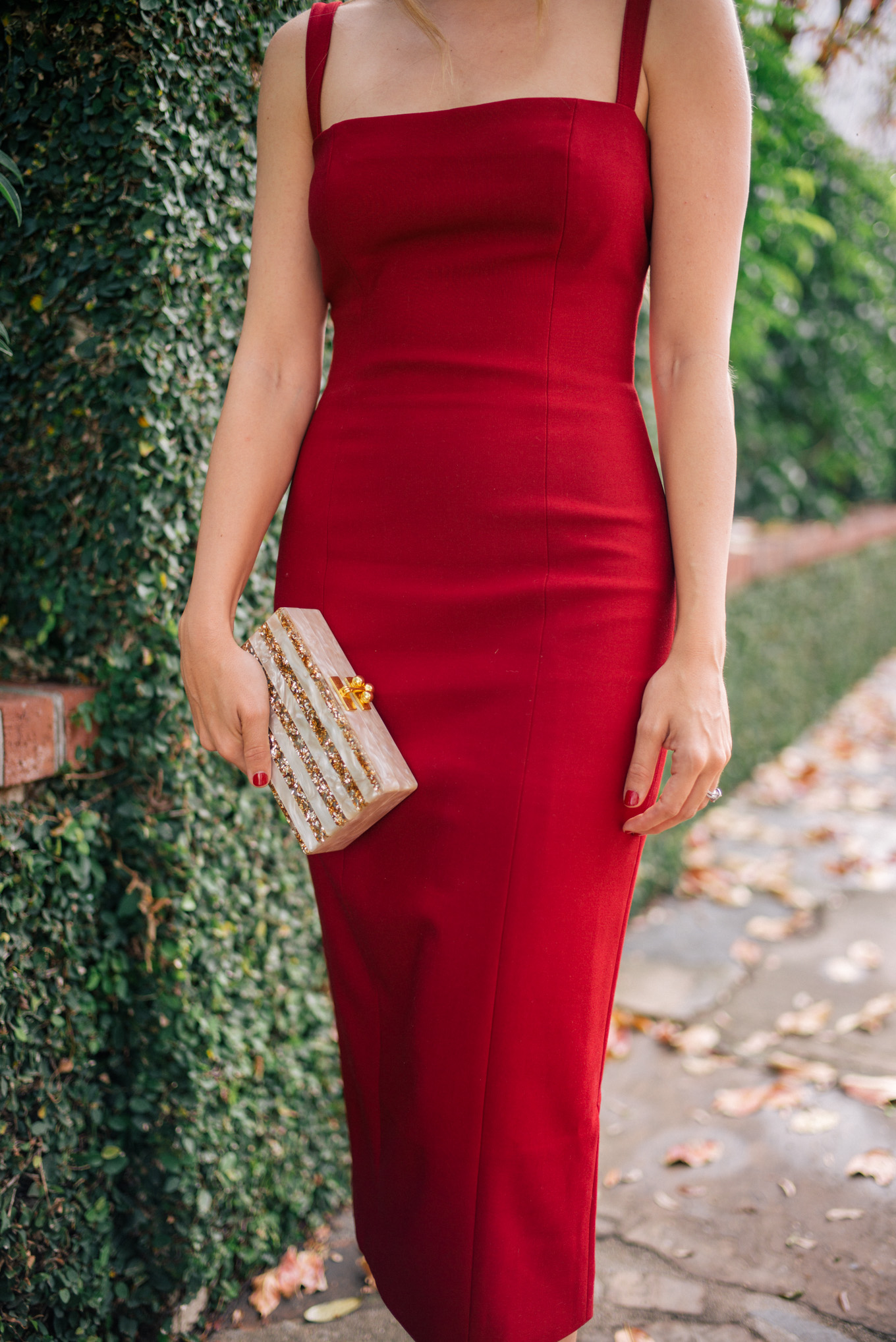gmg-red-dress-holiday-1000203