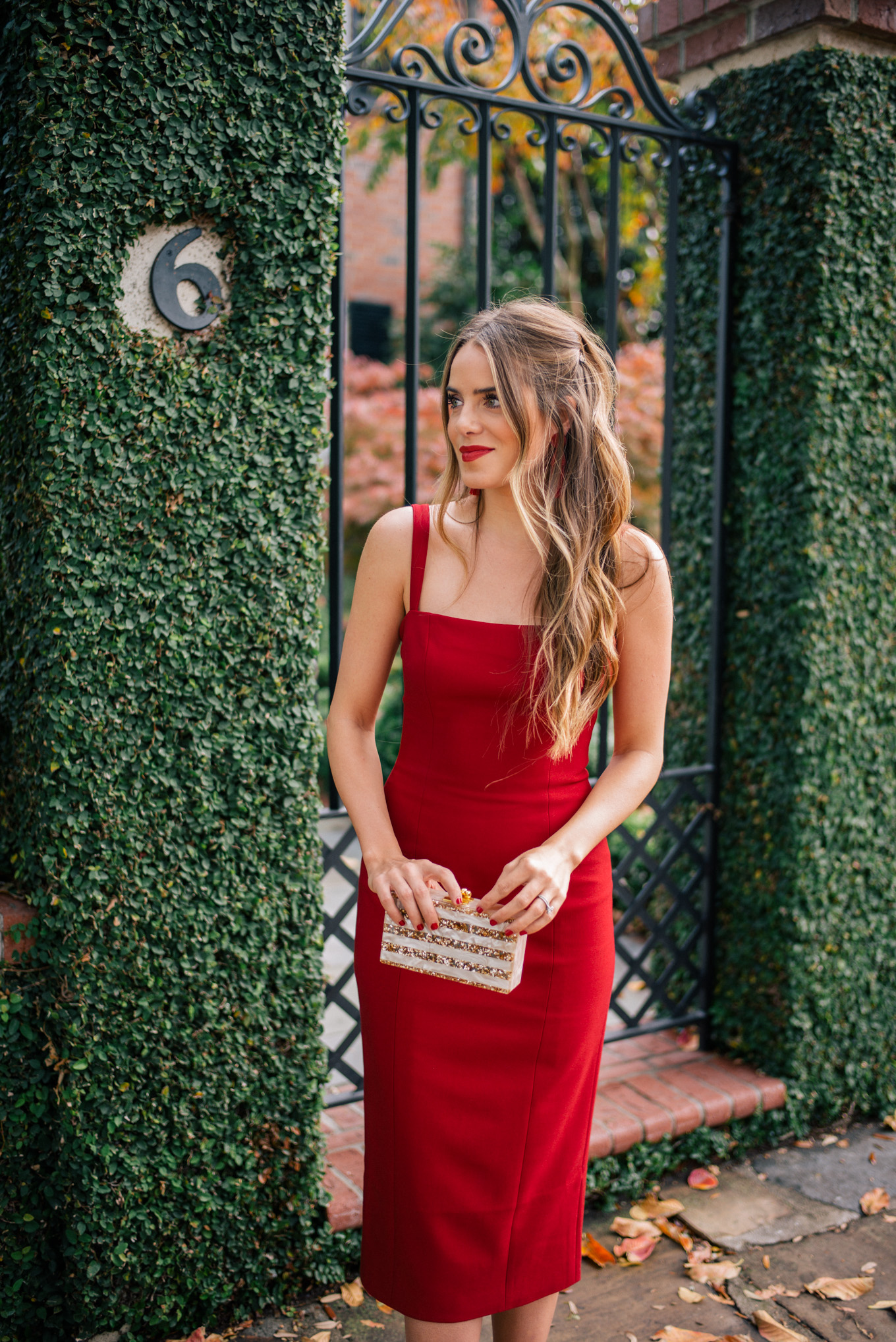 gmg-red-dress-holiday-1000216