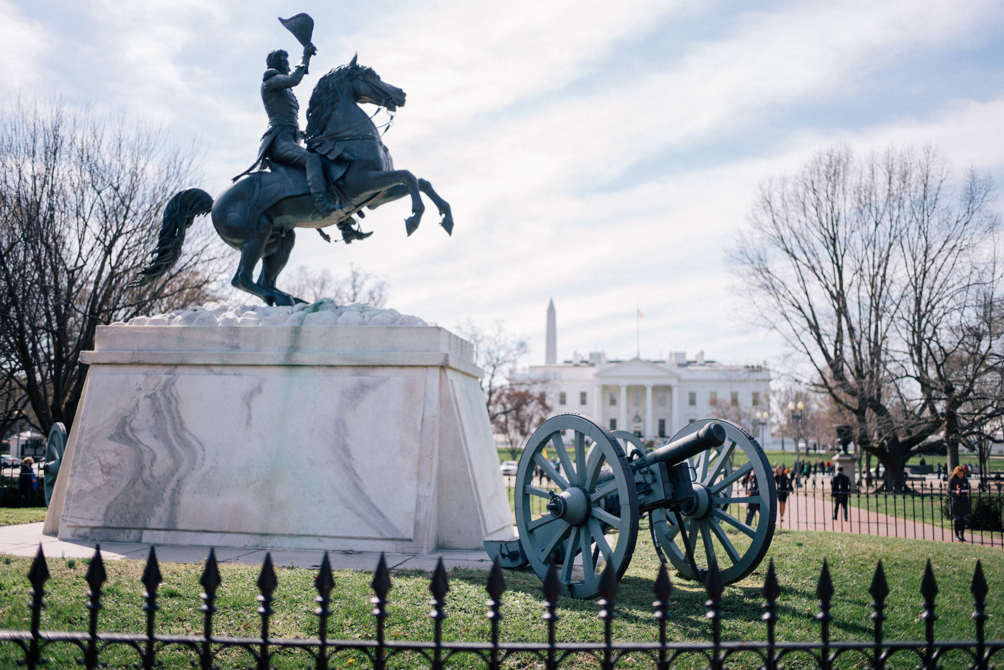 what to do in washington dc visit lafayette square and the white house