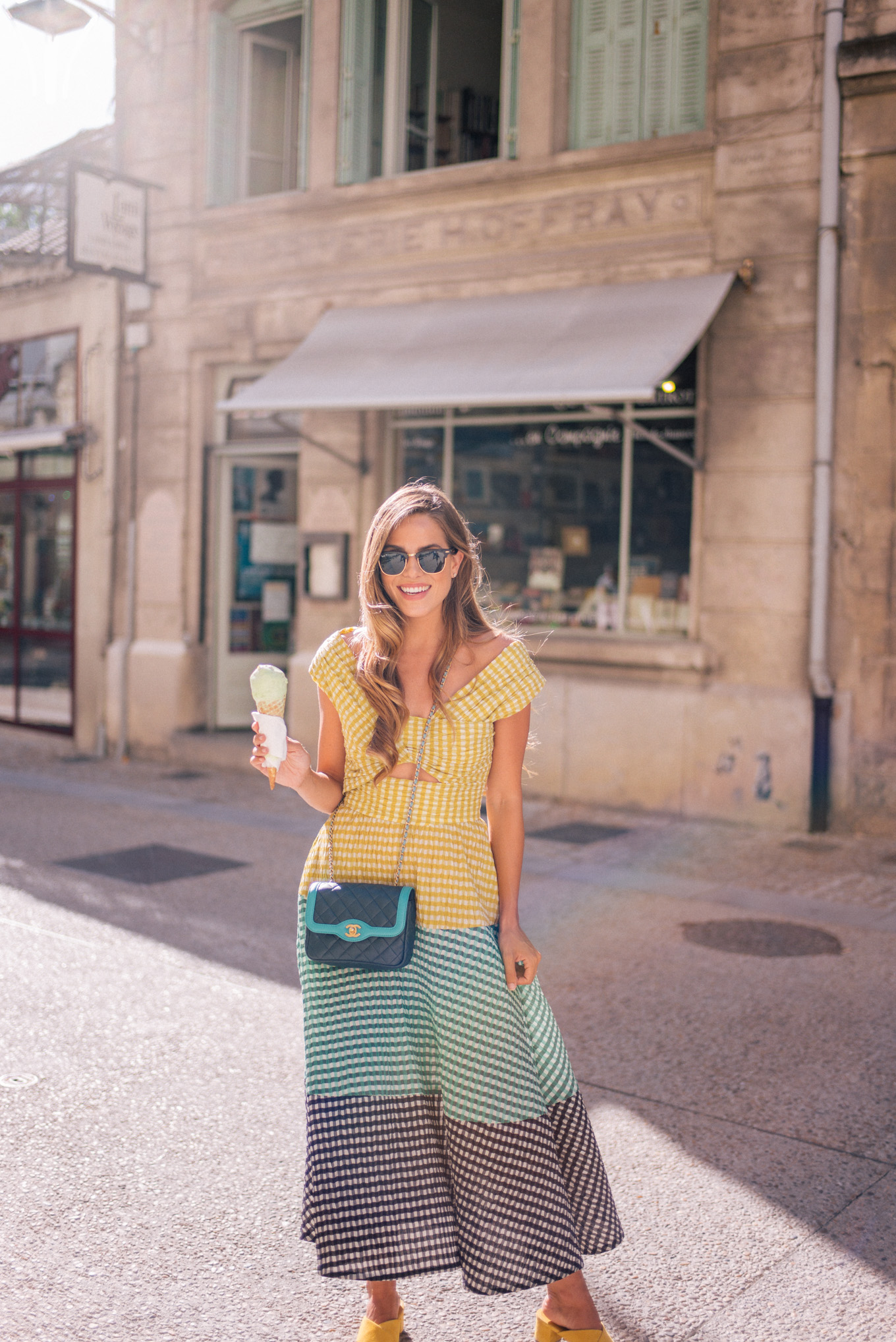 gal-meets-glam-avignon-provence-1002500