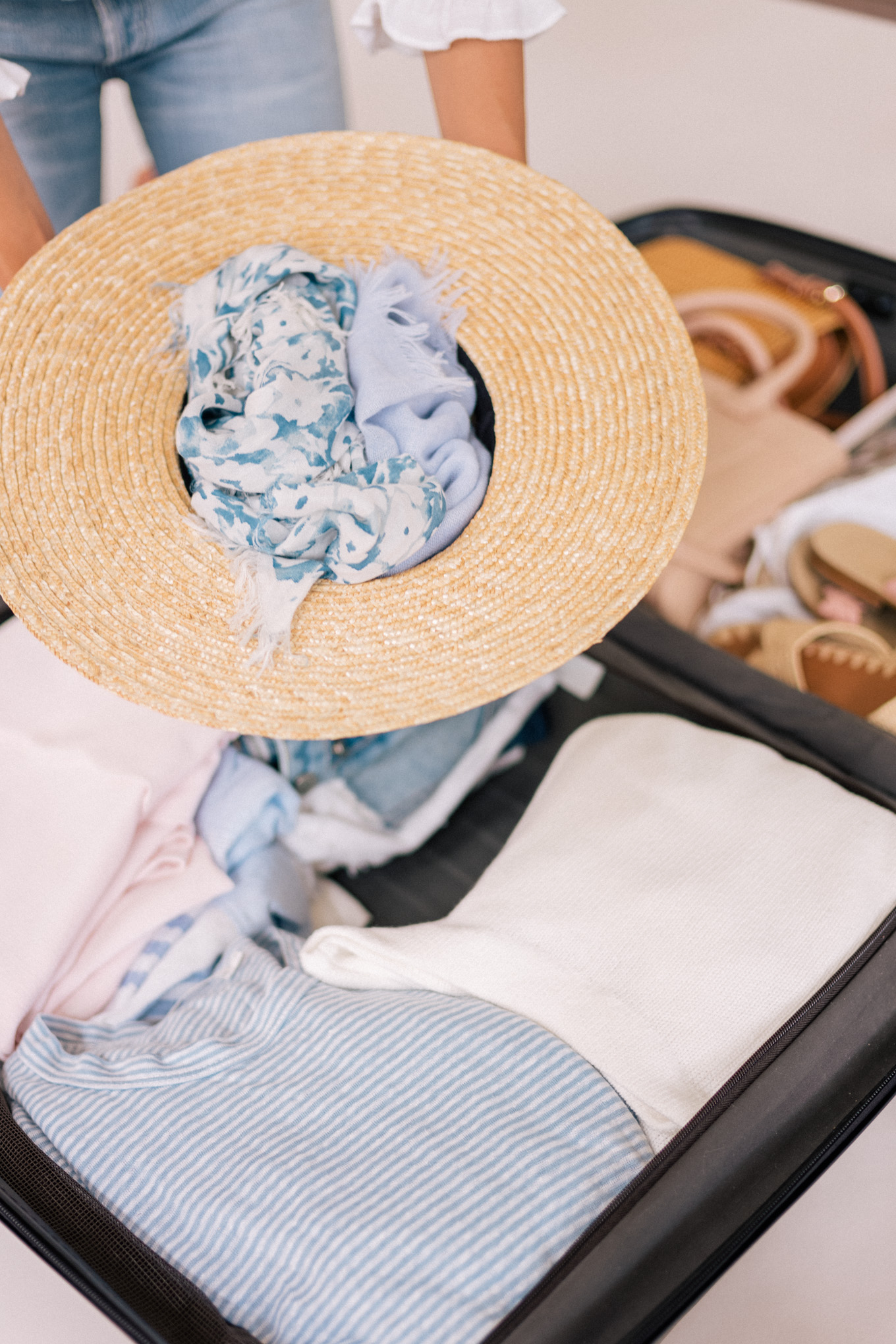 gmg-how-i-pack-my-suitcases-1003921