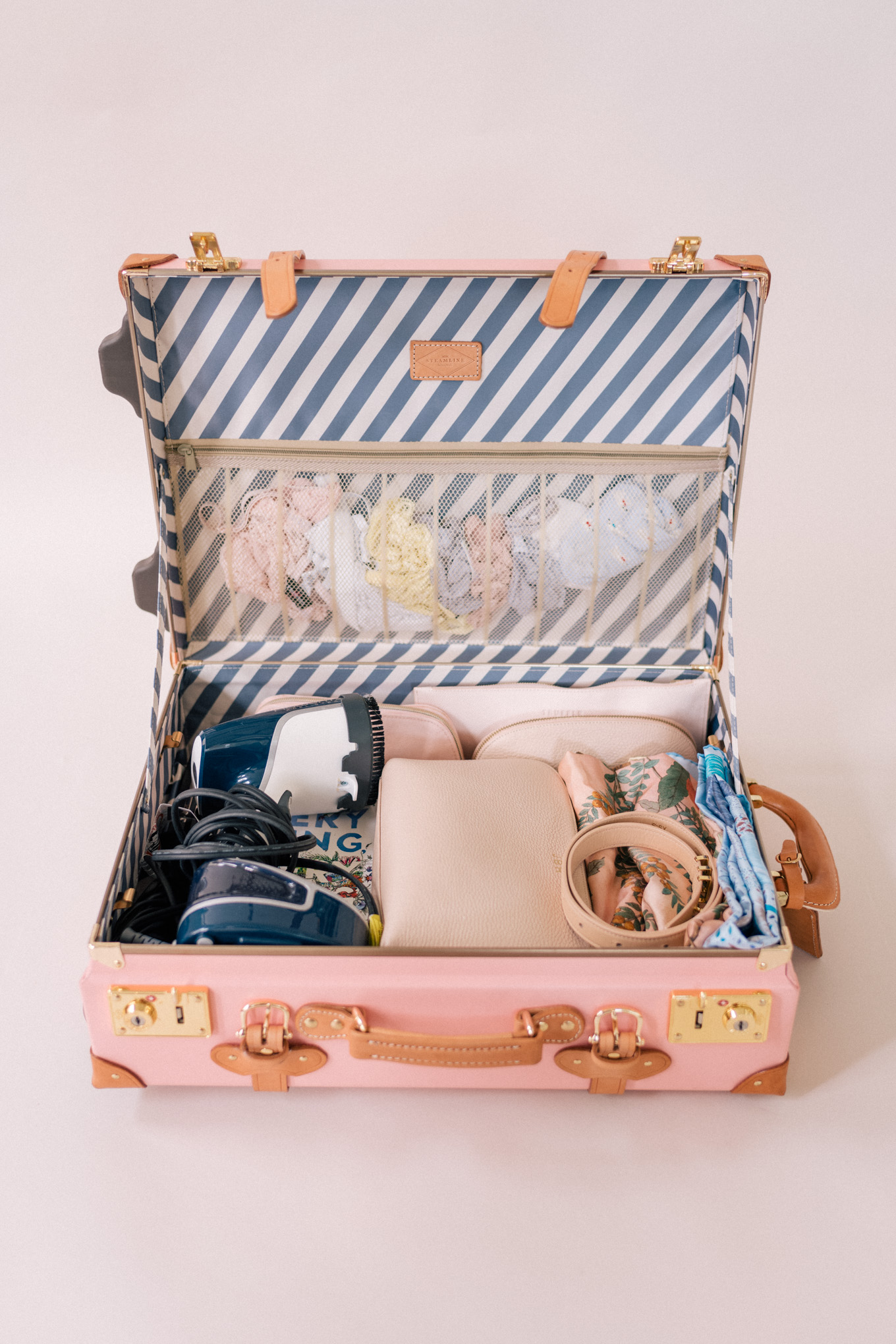 gmg-how-i-pack-my-suitcases-1003958