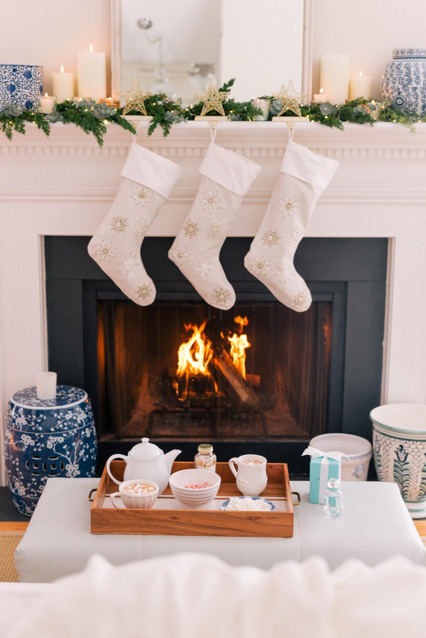 gmg-holiday-stocking-mantle-1007861