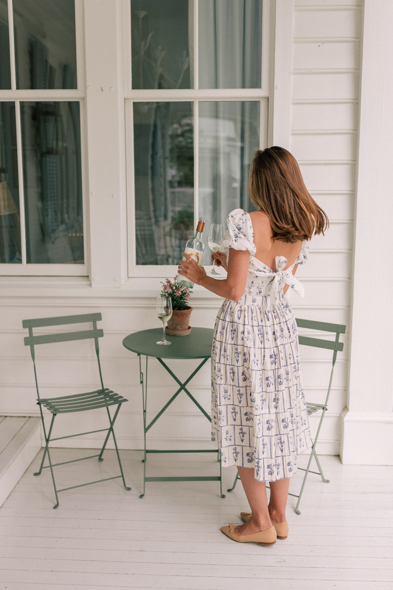 white dress outdoor dining
